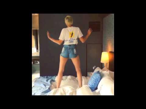Miley Cyrus Shaking ASS!! *Instagram Video Loop*