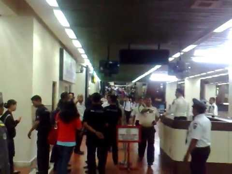 [FANCAM] 110604 Super Junior Arrived @ Soeta Airport Jakarta - Indonesia (Part 1)