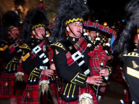 Royal Scottish Bagpipes - The Black Bear (Original)