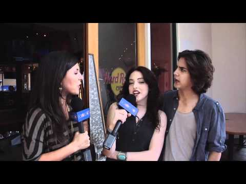 'Victorious' Cast Flash Mob -- Avan Jogia & Elizabeth Gillies