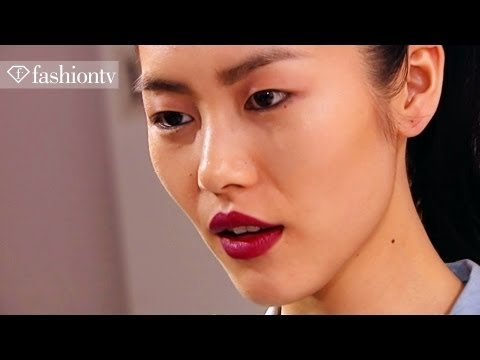 Models - Liu Wen, Fashion Week 2011 | FashionTV - FTV
