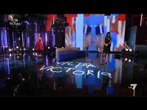 VICTOR VICTORIA - Arisa canta 'My sharona'