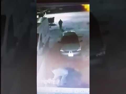 Se enteró que su ex pareja fue a bailar, la buscó y la golpeó brutalmente