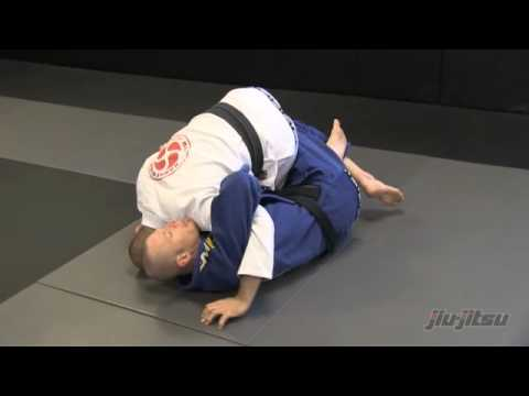 JiuJitsu Magazine #7 - Mastering The Mount: Getting to Mount from Half Guard