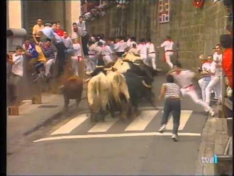 mozos suben al vallado 13-7-1999
