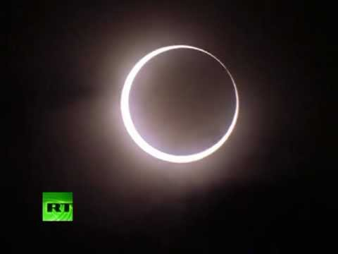VIDEO: Espectacular anillo de fuego durante el eclipse anular en Asia