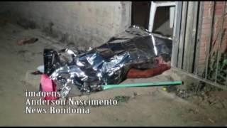 ADOLESCENTE DE 17 ANOS � MORTA A FACADAS NO BAIRRO TR�S MARIAS
