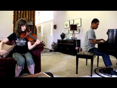 """CRYSTALLIZE"" : LINDSEY STIRLING JAMS WITH BLIND PIANO PRODIGY KUHA'O CASE"