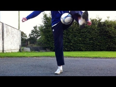Half ATW (Around The World) HATW Tutorial :: Freestyle Football