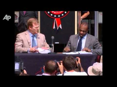 Raw Video: Goodell, Smith Sign New, 10-year Deal