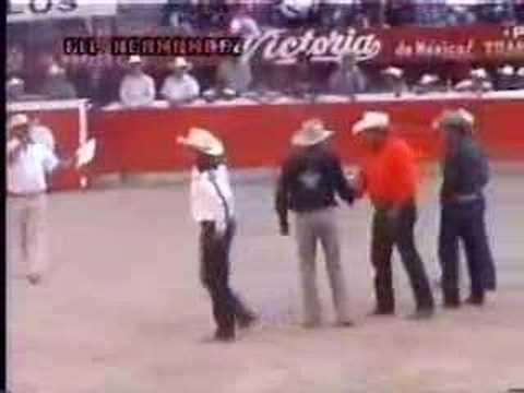 Jaripeo Torneo En La Monumental