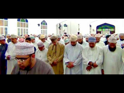 شاهد بالفيديو: شاب عماني يقلد القارئ الشيخ ماهر المعيقلي في سلطنة عمان