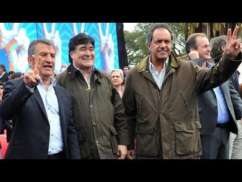<b>Acto en Gualeguaych�.</b> Scioli volvi� a elogiar a Urribarri