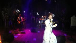 Donna Pierrot en vivo