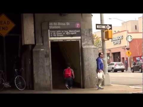 بالفيديو شاهد :  قزم يروي حياته اليومية في فيلم قصير على يوتيوب