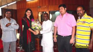 Watch Anushka Is Blessed by Ilaiyaraaja Red Pix tv Kollywood News 31/Mar/2015 online