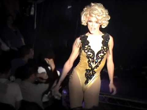 "Morgan McMichaels: ""Two of Hearts"" @ Showgirls!"