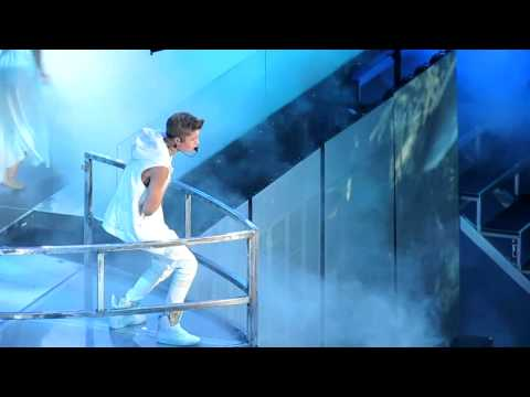 Justin Bieber- Believe Tour 2012 Oakland He Says Hes Catching Feelings Live