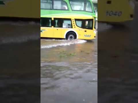 Anegamientos en varias zonas de Paraná por la intensa lluvia
