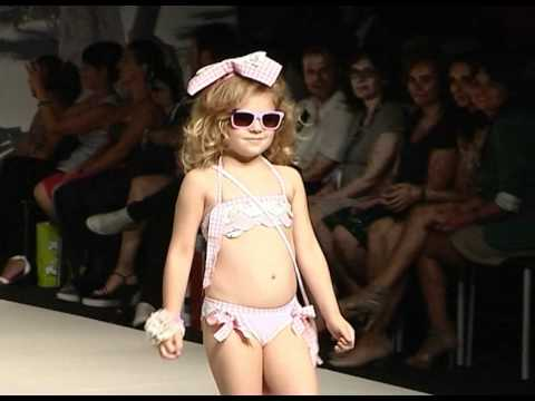 Insidestl Fashion Show And Pool Party papel en FIMI Fashion Show
