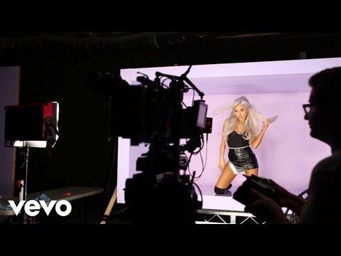 Ariana Grande - Focus (Extended Behind The Scenes) - UC0VOyT2OCBKdQhF3BAbZ-1g