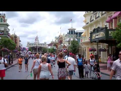 Main Street USA - Magic Kingdom - Walt Disney World 2011 HD