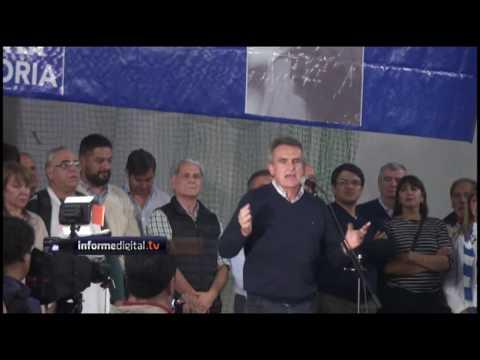 """Agustín Rossi en Paraná. """"El límite es Macri""""."""