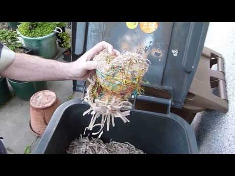 Cutting an Elastic Band Ball in Half
