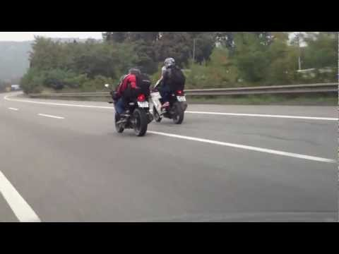 Kawasaki Ninja 250R VS Honda Cbr 250R top speed :)