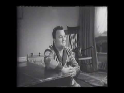 Luciano Tajoli.Canta. La Leggenda del Cavallino. Dal Film Il Canto dell'Emigrante.wmv