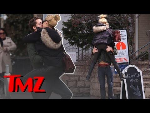 """Wall Street"" Star Margot Robbie is All Over Her Assistant Director Boyfriend Tom Ackerley"
