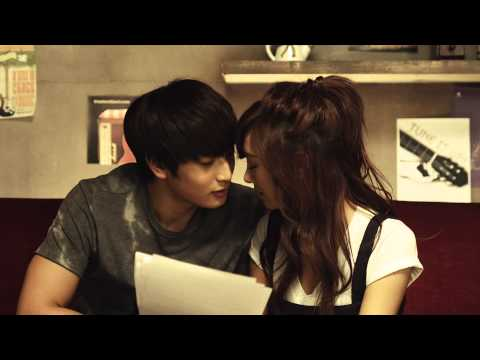 G.NA - -Black & White- MV