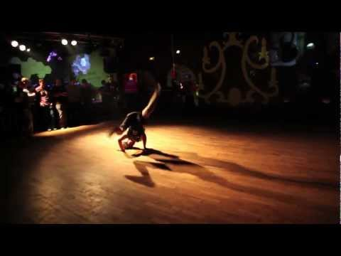 "BASS ATTACK PROD 4 ""REMEMBER HIPHOP OLD SCHOOL "" TOUR 2012 HD"