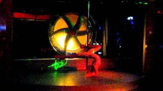 Девушка с шестом или стриптиз в ночном клубе Житомира