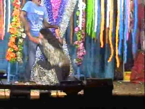 Andhra Boy And girl Spicy Dance in Village