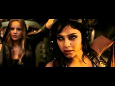 Zack Snyder - Sucker Punch - Meet Blondie Featurette (Vanessa Hudgens)