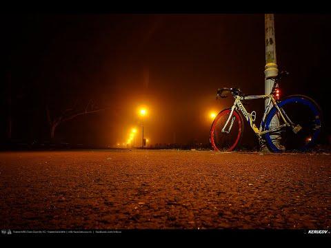 Montaj video: Cu bicicleta prin Bucuresti: Parcul Tineretului. Efect. Ceata