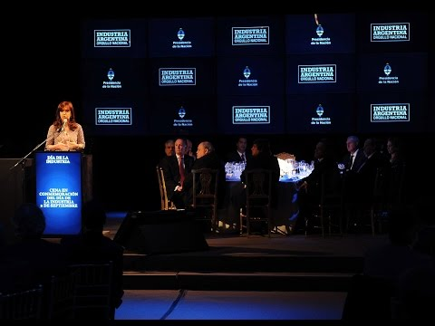 <b>Cena anual D�a de la Industria</b>. Cristina Fern�ndez cuestion� a automotrices.