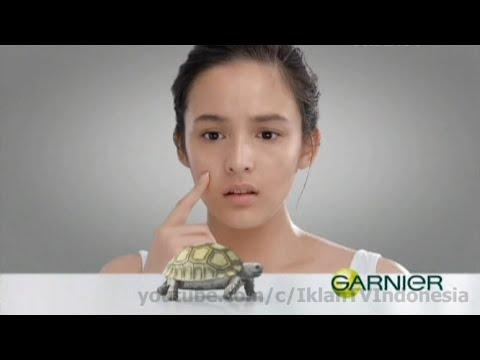 Garnier Light Complete Serum Cream Komersial