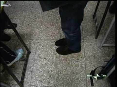 Presa Diretta - La Scuola fallita - 14-02-2010 8di9