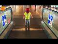 Фрагмент с начала видео - Маленький Человек Паук SpiderMan летит в Турцию