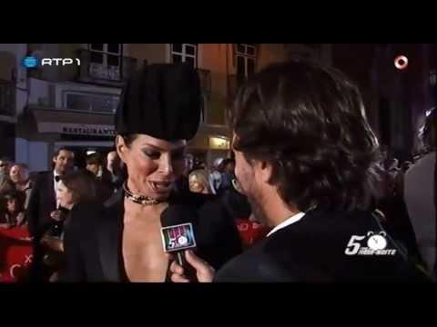 Zé Pedro Vasconcelos envergonha os famosos nos Globos de Ouro 2013