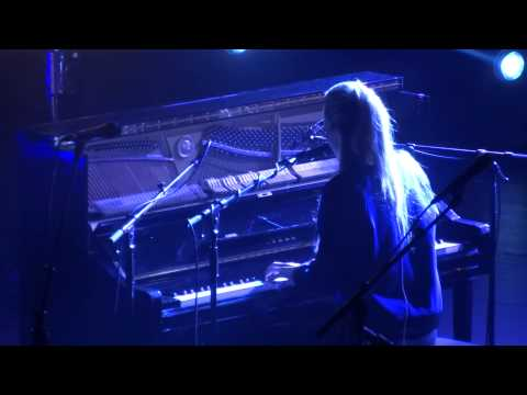 London Grammar - If You Wait (HD) Live In Paris 2014