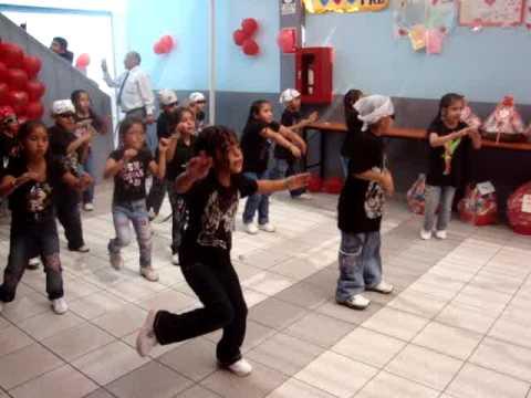 Día de la Madre 2009 colegio Montessori Huaycán