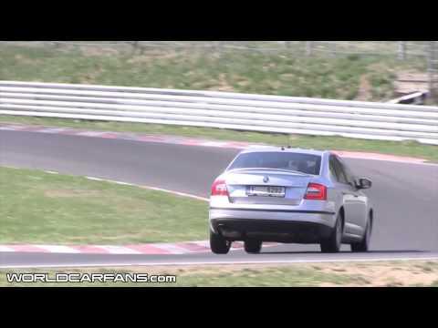 Nowa Skoda Octavia RS na torze