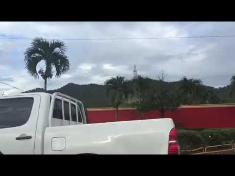 Decenas de policías en cabaña de Bonao en busca de John Percival Matos (video subido por Nuria Piera