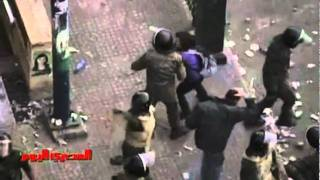 GRAPHIC: Video of brutal crackdown on Tahrir Sq protesters in Cairo view on youtube.com tube online.
