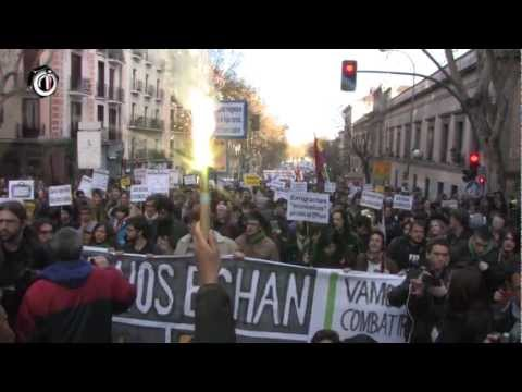 Miles de jóvenes salen a la calle a exigirle al Gobierno, la Troika y la CEOE ¡QUE SE VAYAN ELLOS!