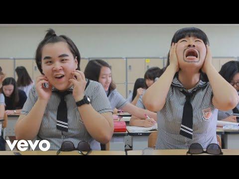 IUV, (아이유브이) - Oppa Zzang(오빠 좀 짱인듯)