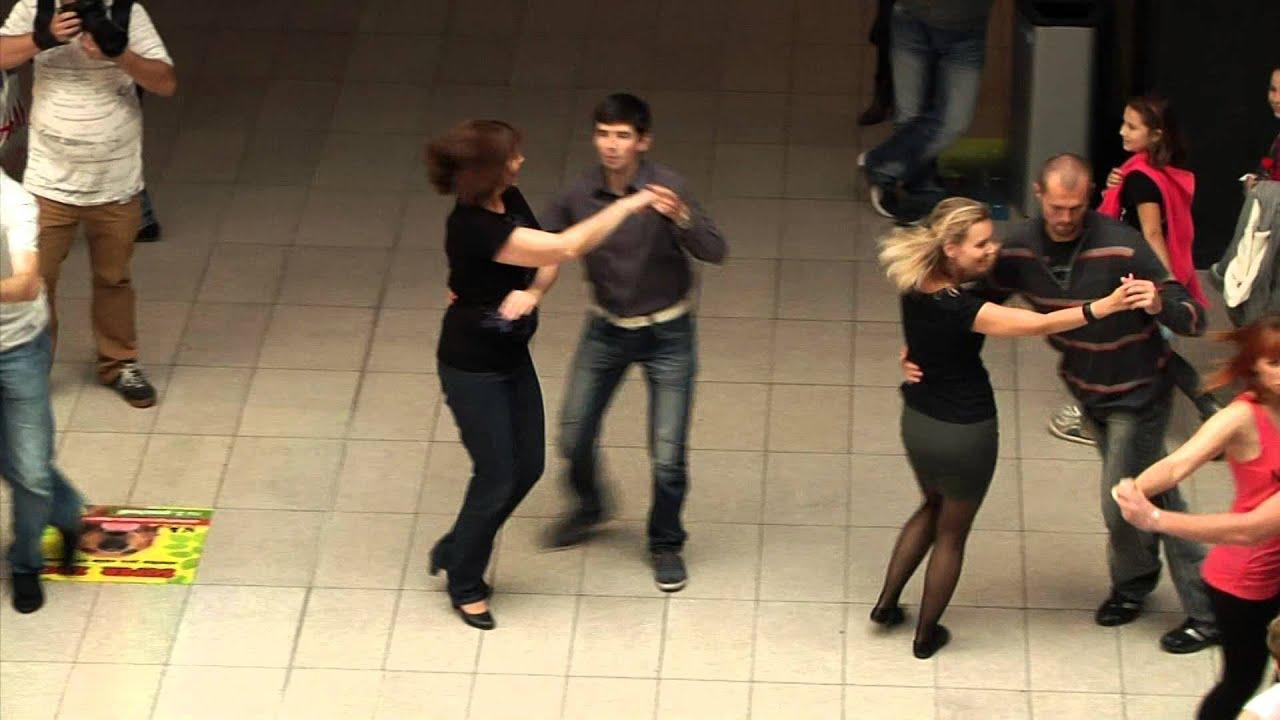 Slovenský Rueda de Casino Flashmob - Banská Bystrica, Zvolen a Žilina